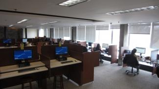 Image of workstations in Gerstein lobby